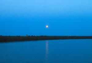 Moonrise over Mississippi River